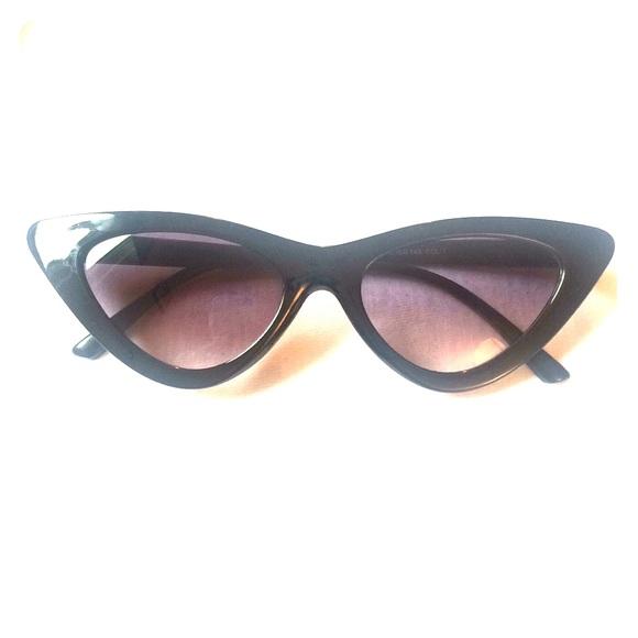 83f5046c83d1 Cat Eyes Fashion Sunglasses  NEW